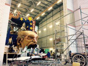 carri in costruzione della Cittadella del Carnevale