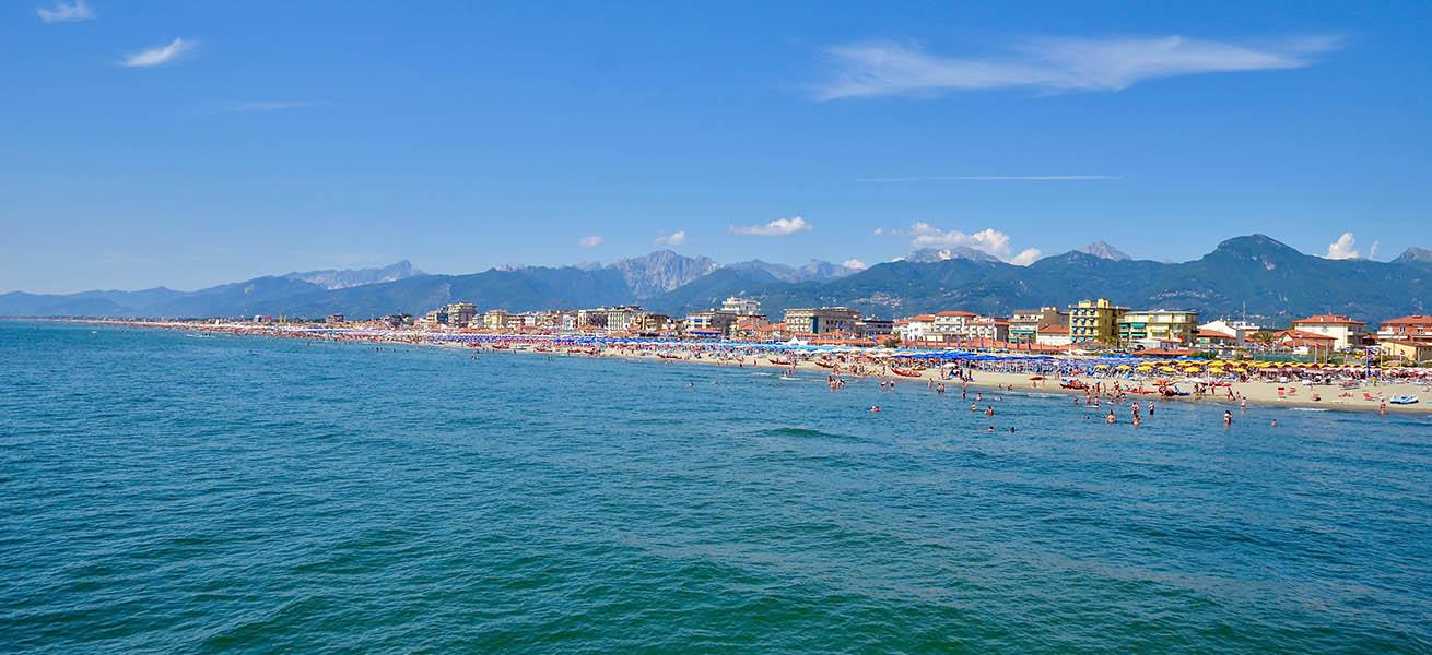 Versilia costa Alpi Apuane