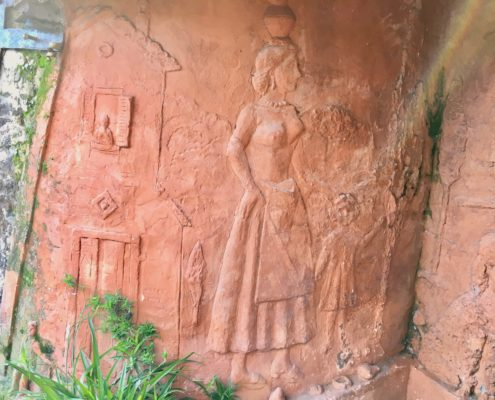 lato destro della fontana della Piastraccia a Casoli di Camaiore
