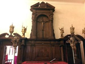 particolare degli stalli lignei al Museo d'arte sacra di Camaiore