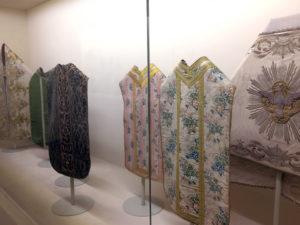 paramenti sacri conservati al Museo d'Arte Sacra di Camaiore