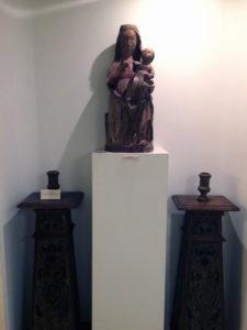 madonna lignea paramenti conservata al Museo d'Arte Sacra di Camaiore