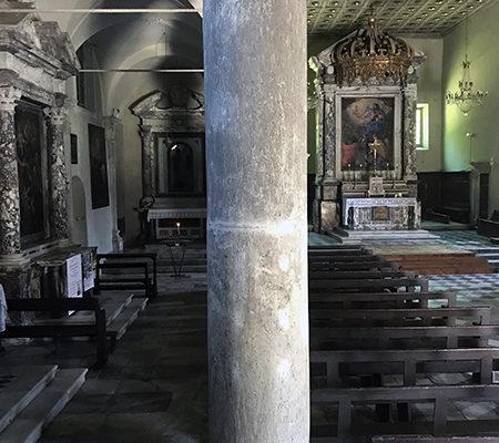 Interno della Chiesa di Santa Maria Assunta a Stazzema