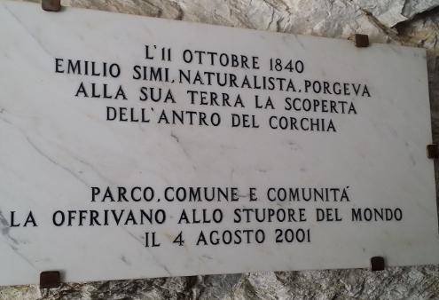 Targa in ricordo di Emilio Simi Antro del Corchia