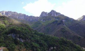 Monte forato in Versilia