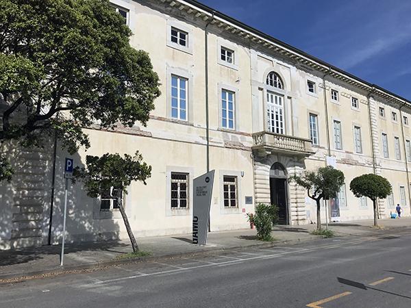 facciata di Palazzo delle Muse a Viareggio