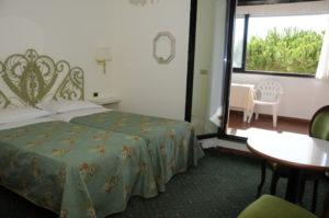 hotel ermione marina di pietrasanta camera