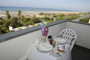 hotel ermione marina di pietrasanta terrazza