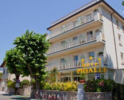 HOTEL-PIGALLE-Forte-dei-Marmi-esterno accessibile