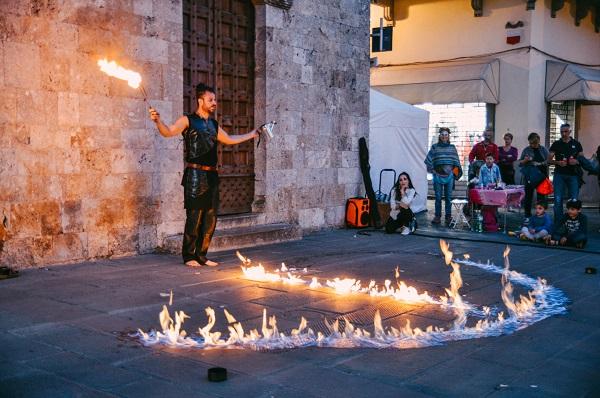 festival artisti di strada camaiore