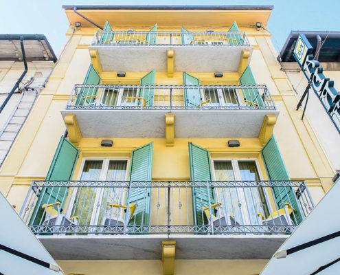 hotel villa adriana viareggio