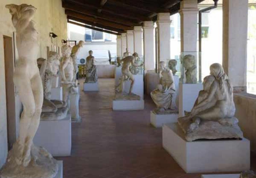 Visita al Museo dei Bozzetti di Pietrsanta con il trenino