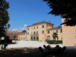 Viareggio,_villa_borbone,_ext._01