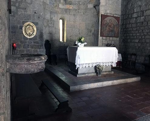interno della chiesa di San Michele a Camaiore