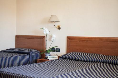 hotel mare blu lido di camaiore camera