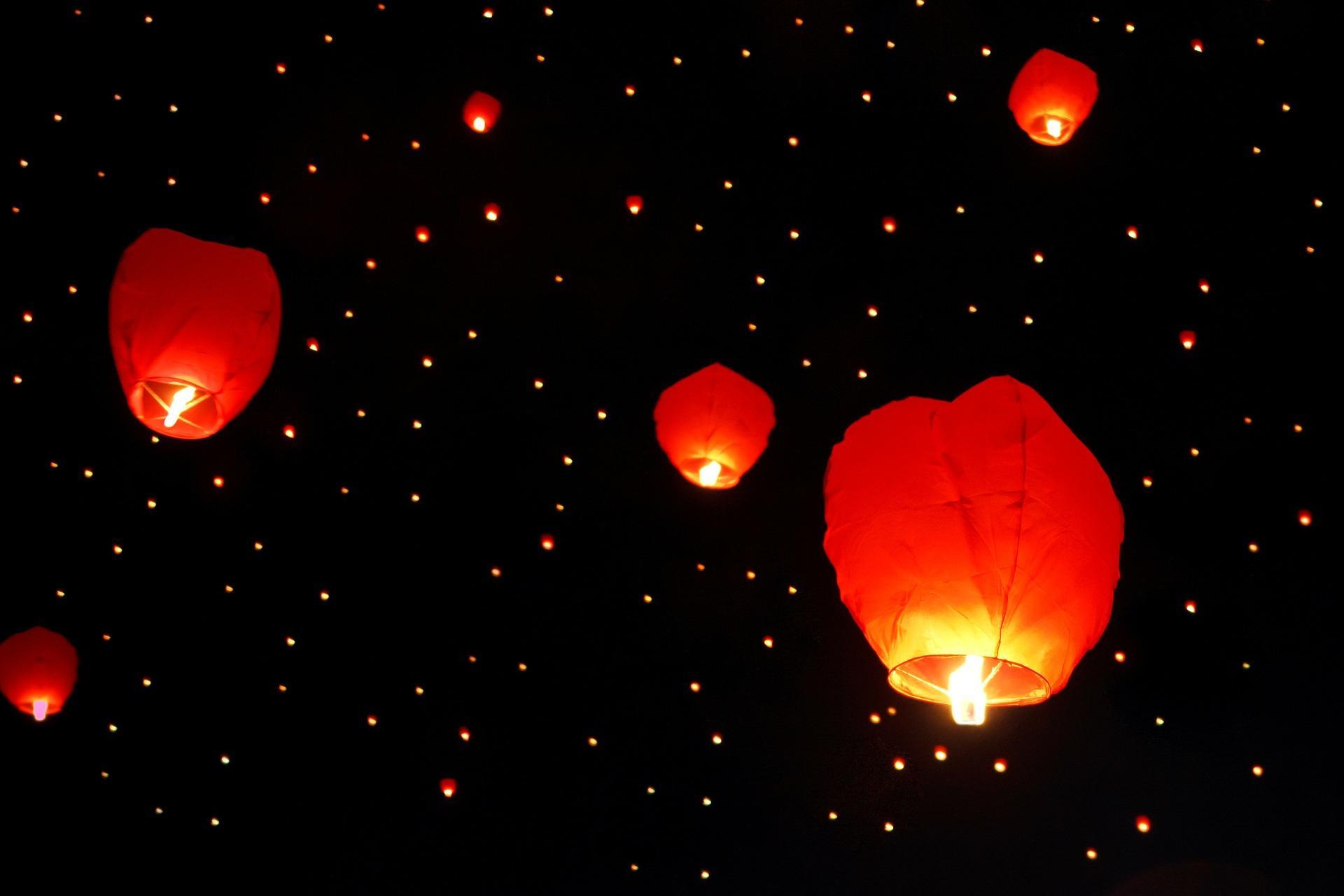 La notte degli artisti e delle lampade cinesi